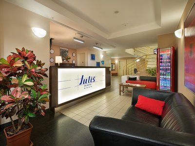 EA Hotel Julis**** - hotel reception