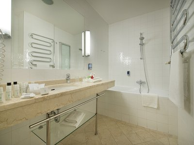 EA Hotel Julis**** - bathroom
