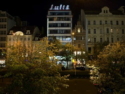 EA Hotel Julis**** - hotel building - night view from the Wenceslas Square
